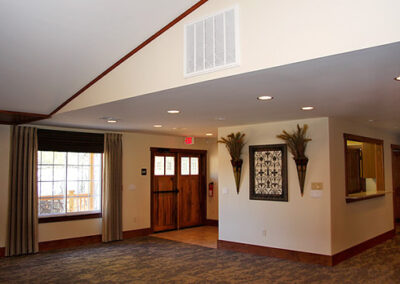 Forge Valley Event Center   lovely interior decorations that can be replaced for your taste